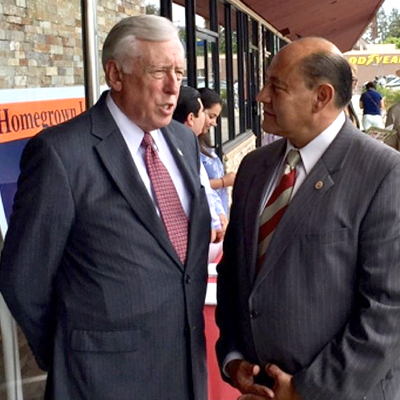 Hoyer stands with Lou Correa in Anaheim, California